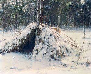 debris-shelter-snow
